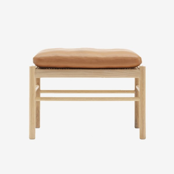 OW149-F | Colonial Stool